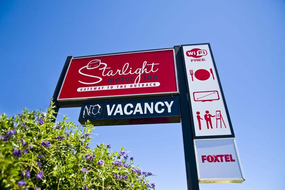 Welcome to Starlight Motor Inn, we are centrally located in the thriving town of Roma